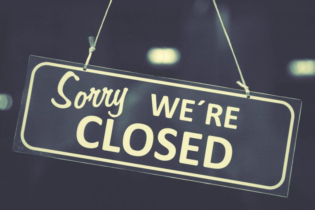 Un cunoscut lanţ de magazine se închide! Ce se întâmplă cu cele 73 de magazine din ţară