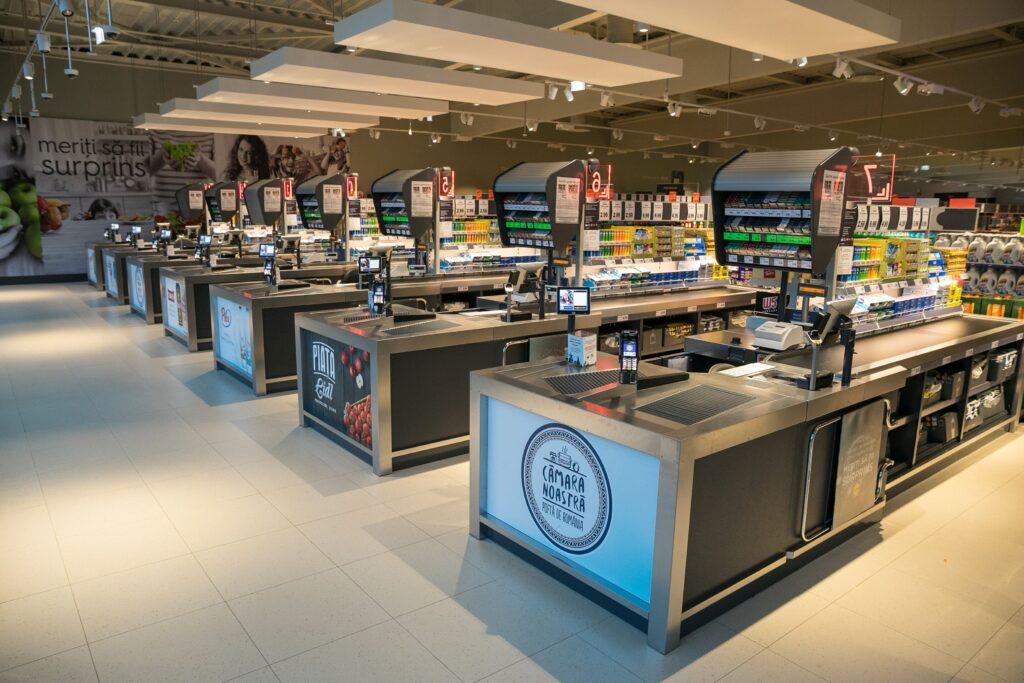 Un mare lanţ de magazine se axează pe produsele marcă proprie. Compania promite să elimine glutenul şi coloranții sintetici