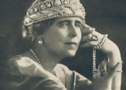 Eveniment istoric! Prima conferinţă de presă a Reginei Maria