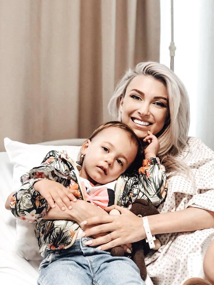 Andreea Bălan, la a treia operație în două săptămâni. Care sunt riscurile