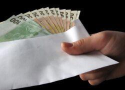 Scandalos! România bate recordul la salariile din UE. Unii dintre cei mai bine plătiți angajaţi din Europa muncesc în ţară