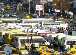 Centrul Capitalei este blocat, haos în trafic! Protest cu peste 5.000 de maşini, organizat în Bucureşti. Restricţii de trafic