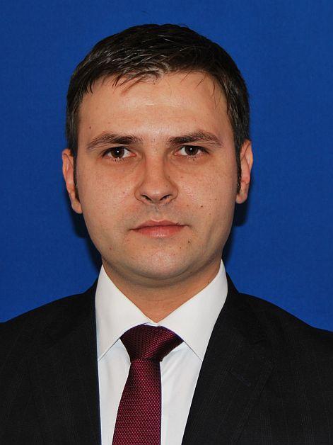 Ministrul Dezvolătorii a făcut anunțul. Ce pățesc românii care au WC în fundul curții