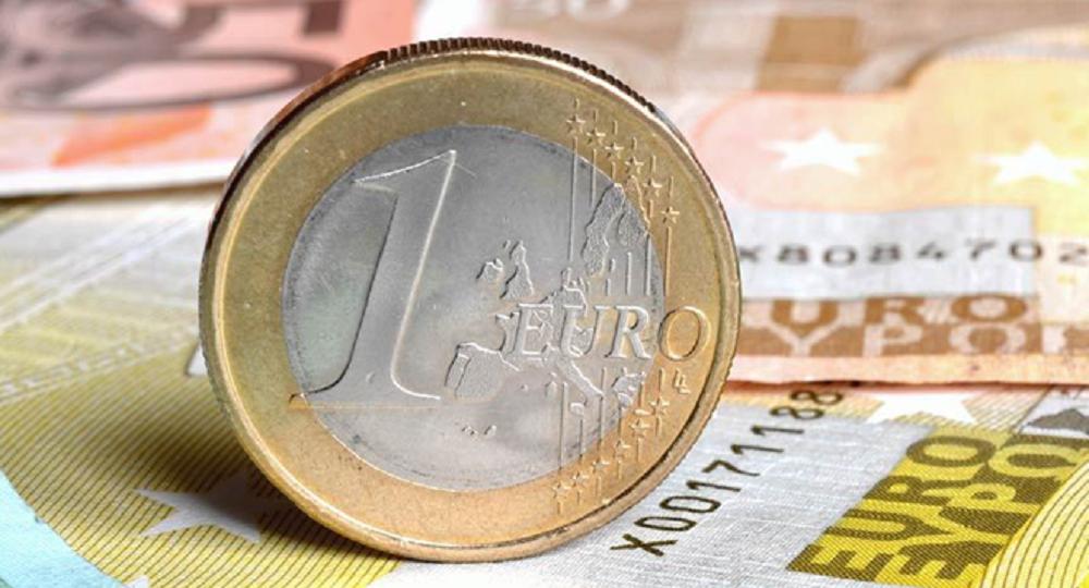 Curs valutar 13 noiembrie. Euro explodează și îi dă în cap leului. La cât a ajuns astăzi