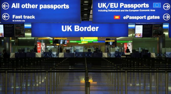 BREXIT: Ce trebuie să știe românii din Anglia care vor să vină acasă de Paște. Anunțul făcut de ambasador