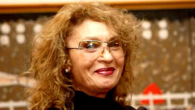 Angela Similea & Ovidiu Komornyik - E noaptea de Craciun ...  |Angela Similea