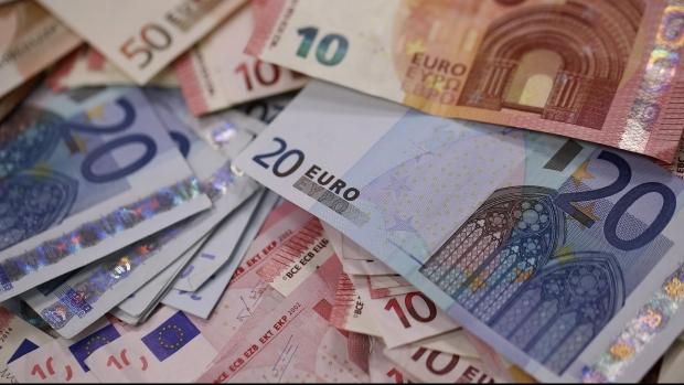 Toți românii, salariu de minim 1.000 de euro! Cine a venit cu propunerea