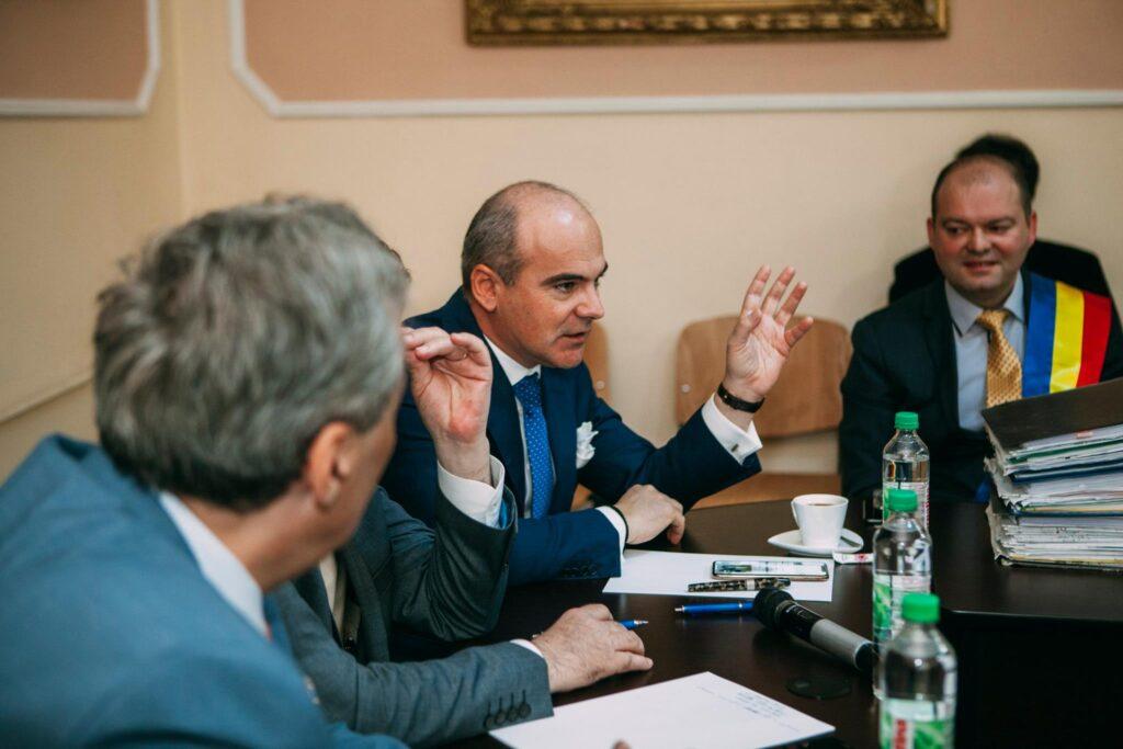 Rareș Bogdan aruncă bomba! Cine este omul mafiei în PSD? De ce o acuză pe Lia Olguța Vasilescu