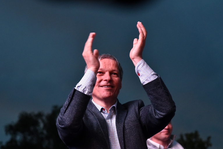 Breaking News Moment istoric pentru România! Dacian Cioloș devine președinte