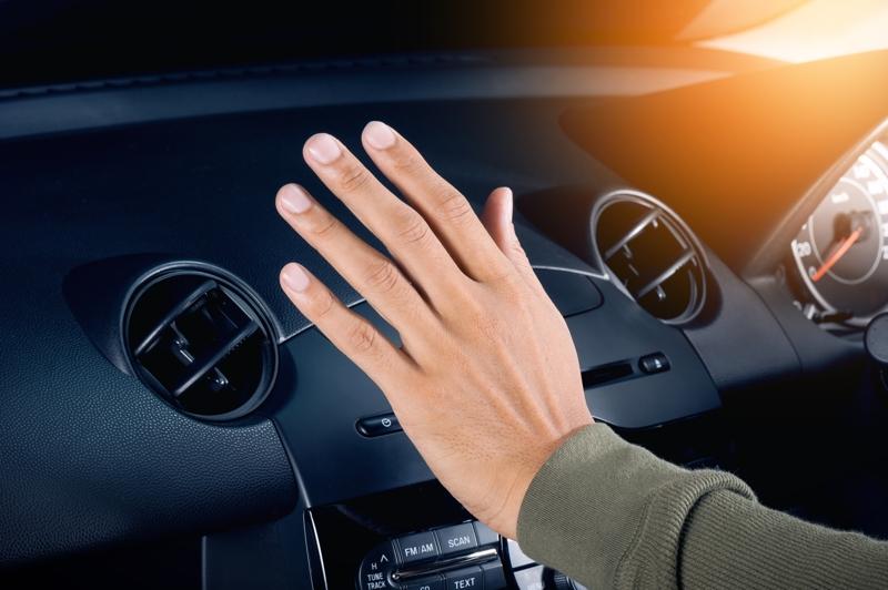 S-a aflat! Cu cât crește consumul de combustibil dacă folosești aerul condiționat al mașinii