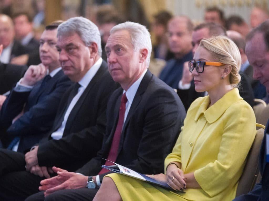 EXCLUSIV! Adio baroni! Ea va fi noua stea a politicii românești! Cine o susține pe cea care vrea să-l învingă pe Iohannis la prezidențiale! Dezvăluiri incendiare