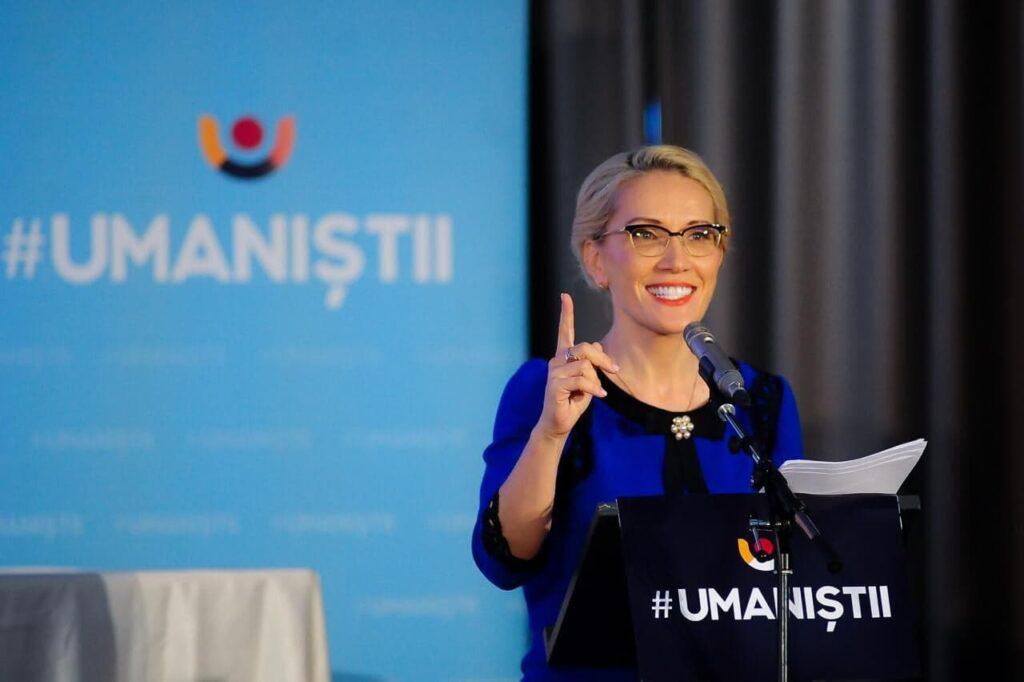 Rivala lui Iohannis iese la rampă: A venit timpul să trezim întreaga Românie