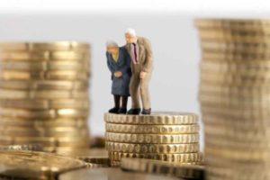 Se dau bani în plus pe lângă pensie! Guvernul a decis deja. Cine va primi banii