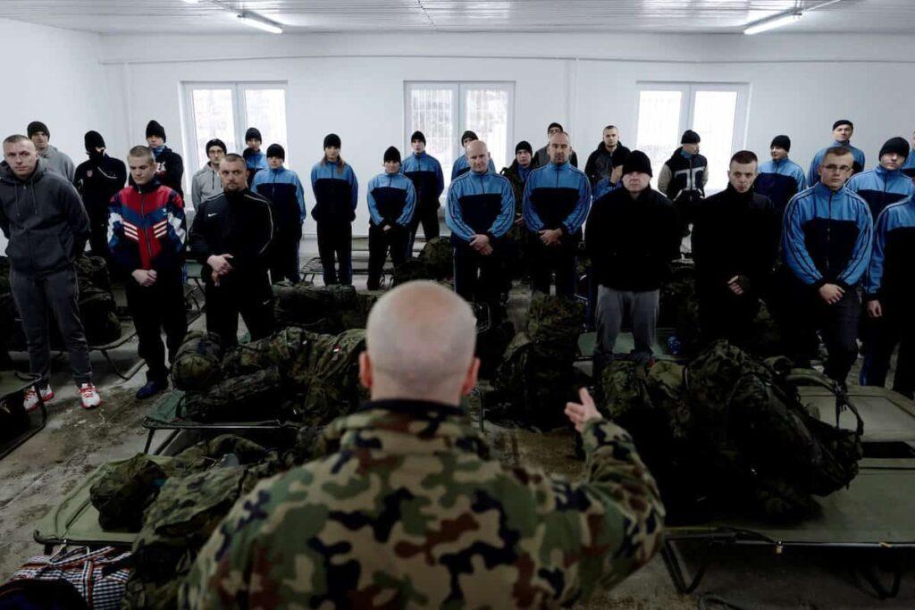 """O țară din apropierea României se pregătește de război. Adun[ toate geniile în """"armata viitorului"""""""