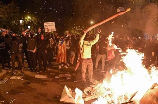 Dezvăluiri șocante! Terorismul Stradal din Catalonia este coordonat de la București