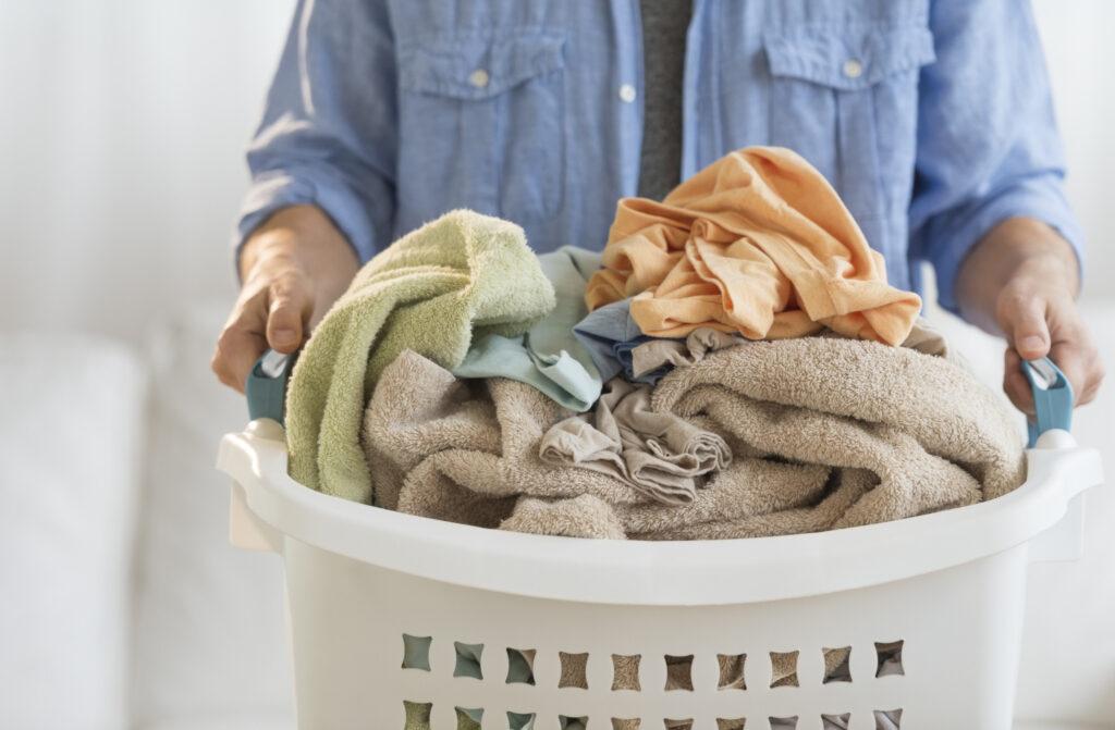 Cât de des trebuie să schimbăm lenjeria de pat? Este revoltător ce fac bărbații