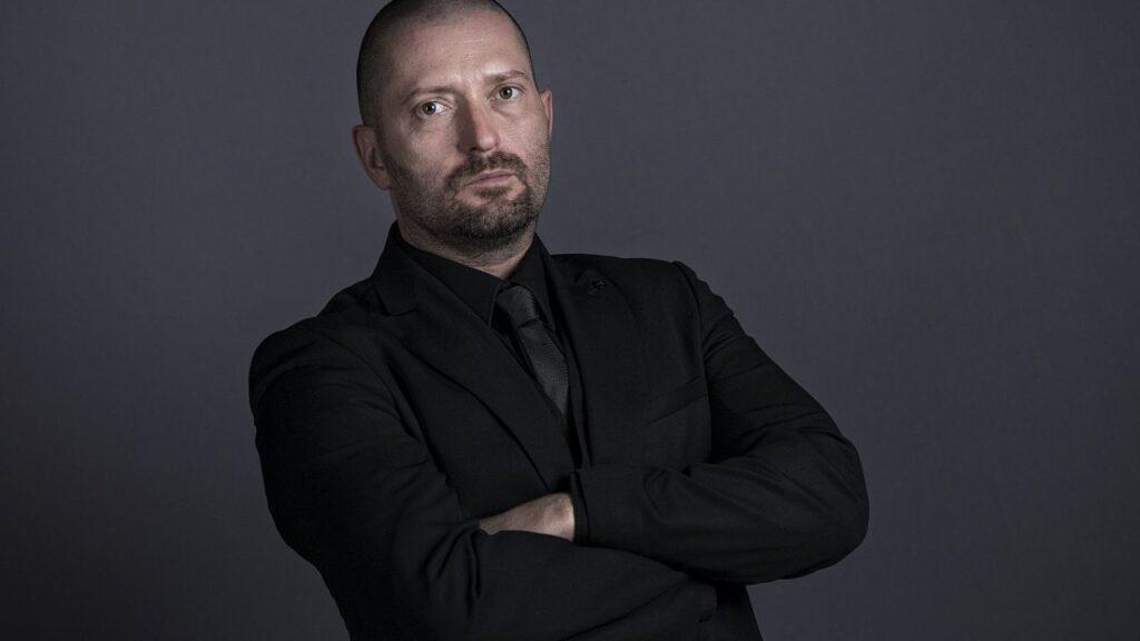 Cheloo nume real - Viaţa lui Cheloo, cel mai controversat rapper român