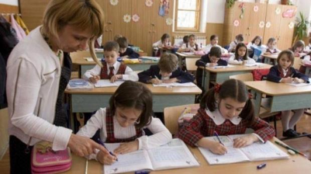 An școlar 2020-2021. Când se întorc elevii la școală? Anunț radical de la INSP