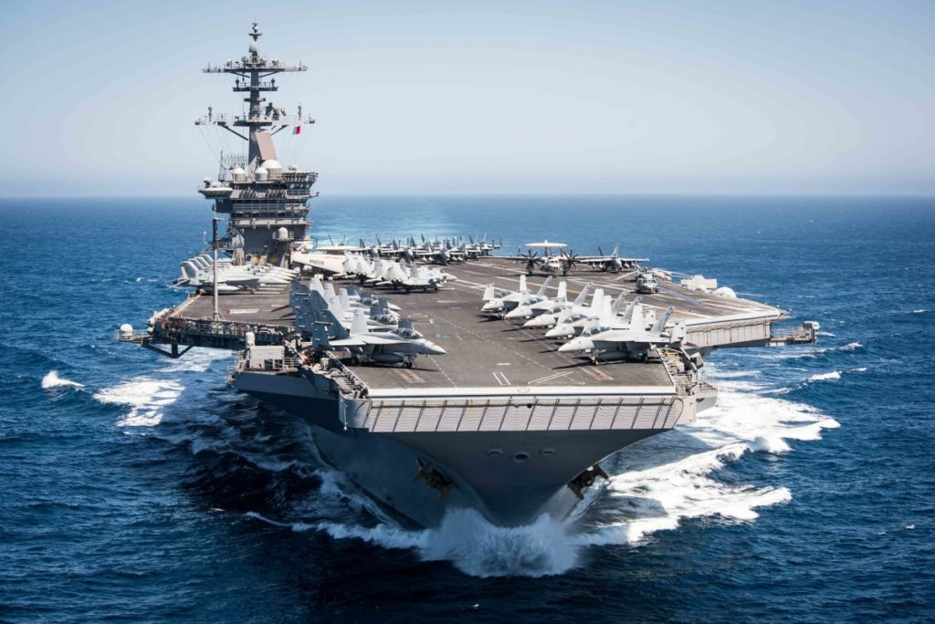 Situaţie dramatică pe un portavion american nuclear. Se cere evacuarea de urgenţă!