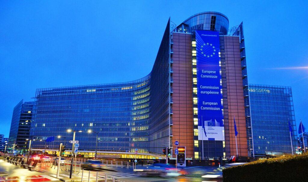 Comisia Europeană a instituit un mecanism de control al exporturilor de vaccinuri în Uniunea Europeană