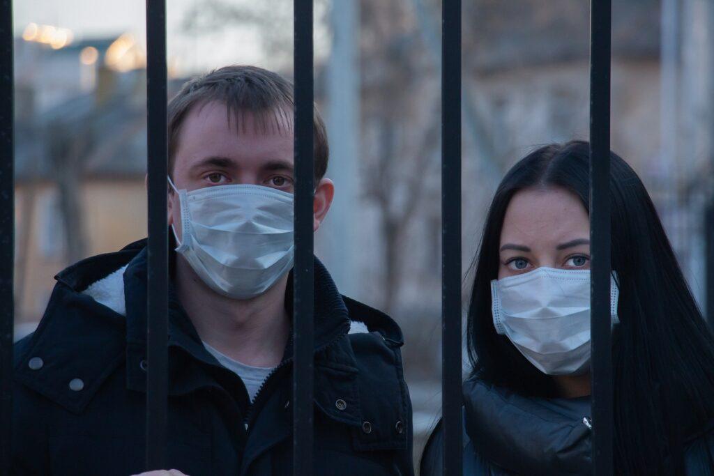 De joi, STAȚI ACASĂ! Carantină totală pentru sute de mii de români! S-a anunțat chiar acum