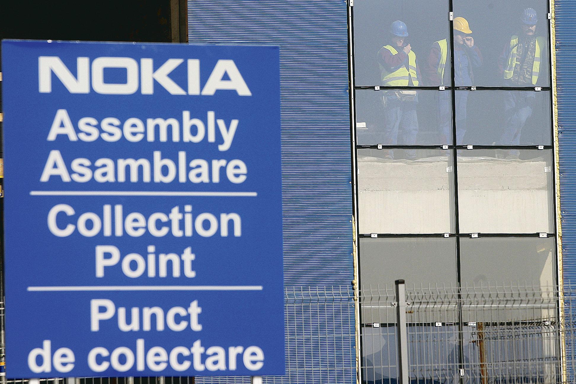 Pericol de divizare: Nokia se prăbuşeşte la bursă pe fondul declinului vânzărilor