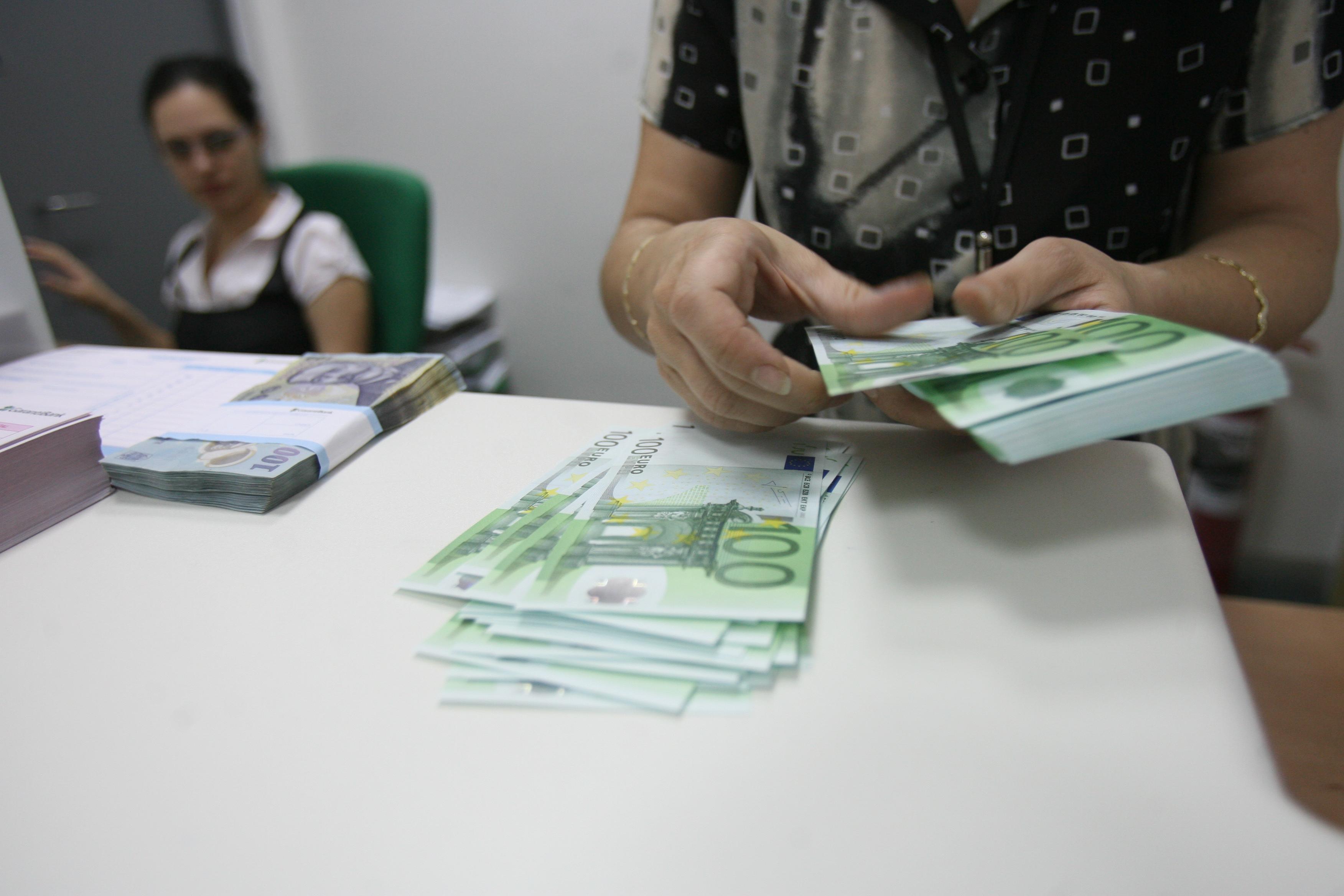 """Ovidiu Nicolescu: """"În România, creditele sunt de peste două ori mai scumpe comparativ cu media europeană!"""""""