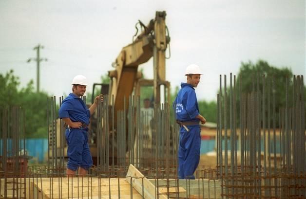 Mai puține autorizații de construire