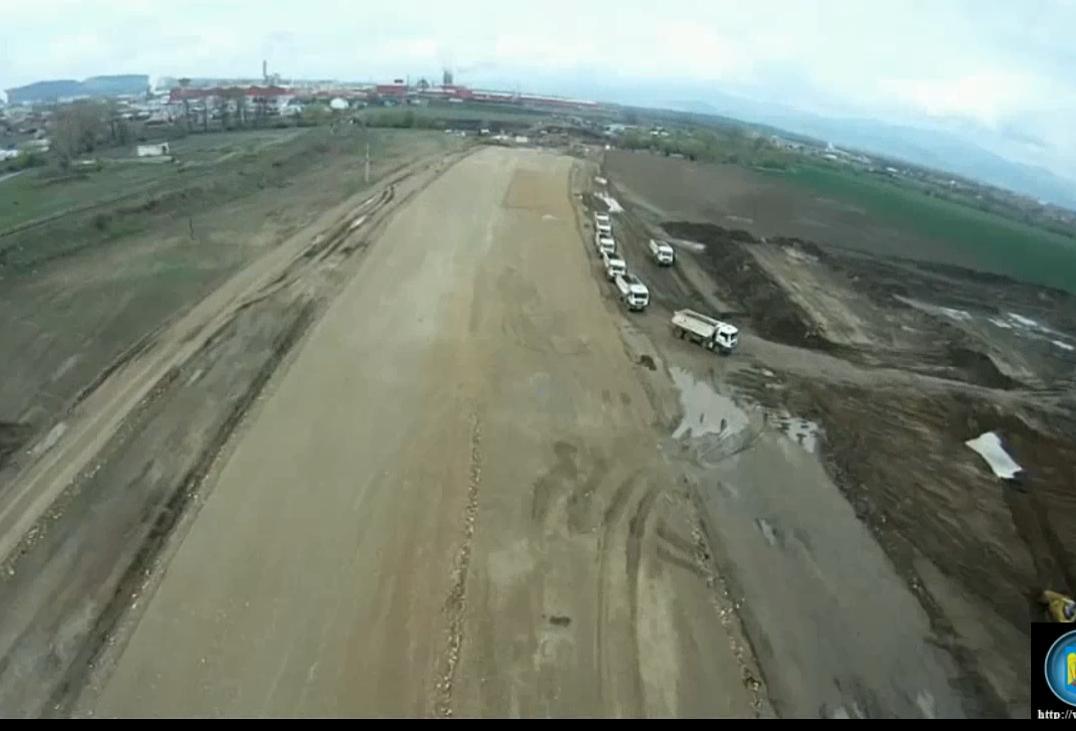 Cel mai recent filmuleţ de pe coridorul IV. Vezi cum decurg lucrările la autostrada Deva-Sibiu
