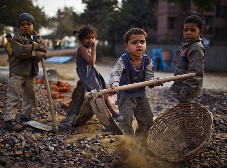 Peste 12 milioane de copii sub 12 ani muncesc în India