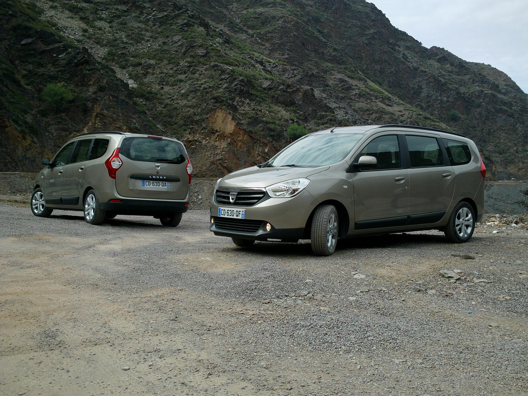 Dacia Lodgy testată în Maroc: Vehiculul contrastelor I FOTO