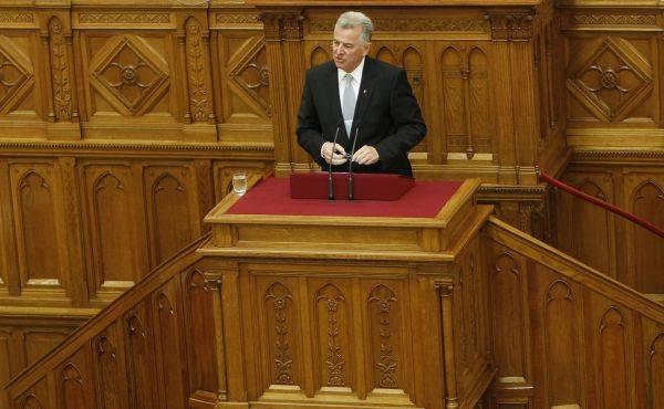 Preşedintele Ungariei demisionează, după ce a fost acuzat de plagiat