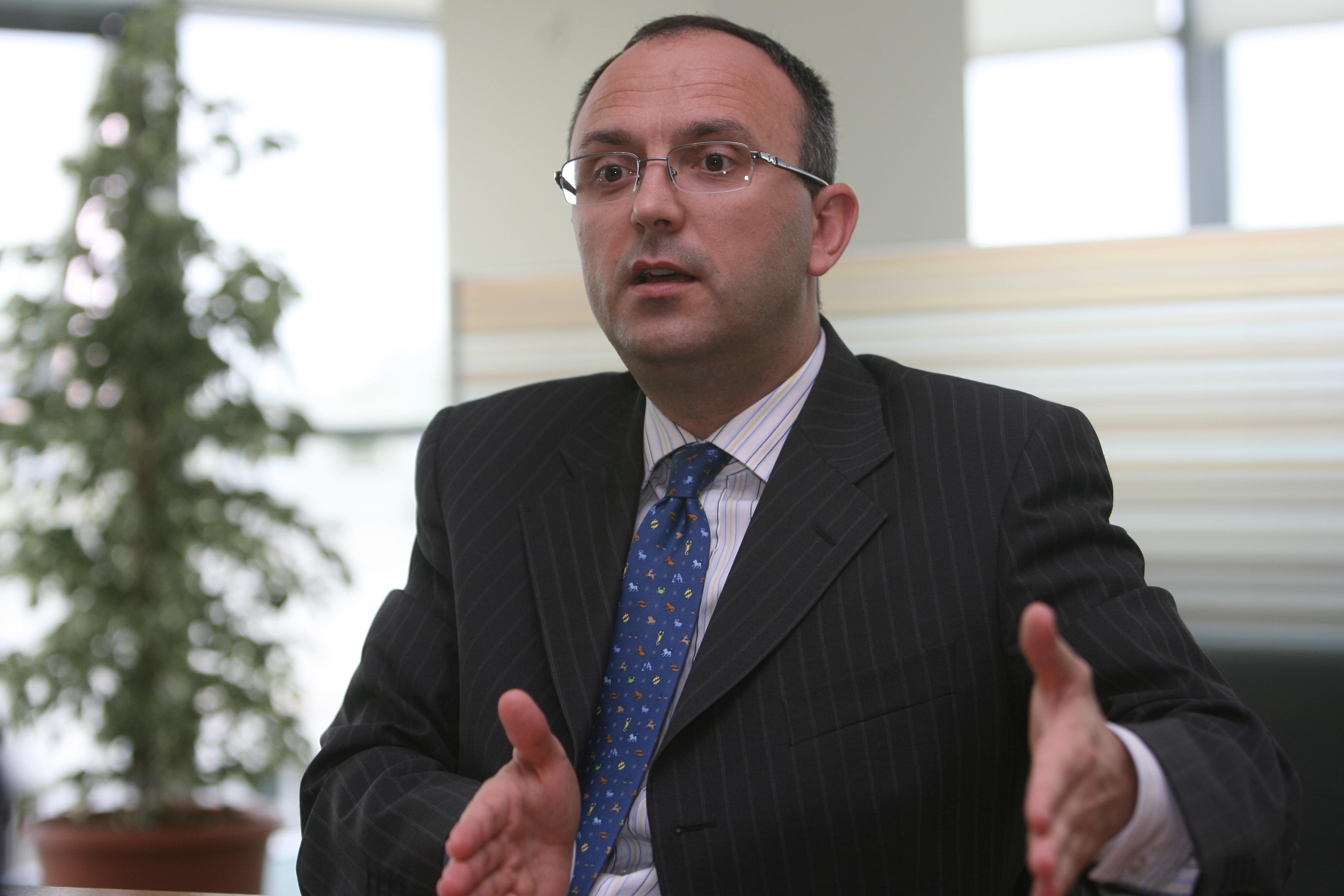 "Bancher român: ""Avem mare nevoie de bani în economie"""