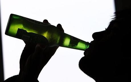 Cum ar putea aduce pacienții căzuți în patima alcoolului 25 de milioane de euro în plus la bugetul sănătății