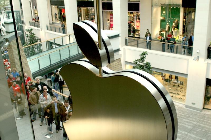 Apple face angajări în Europa