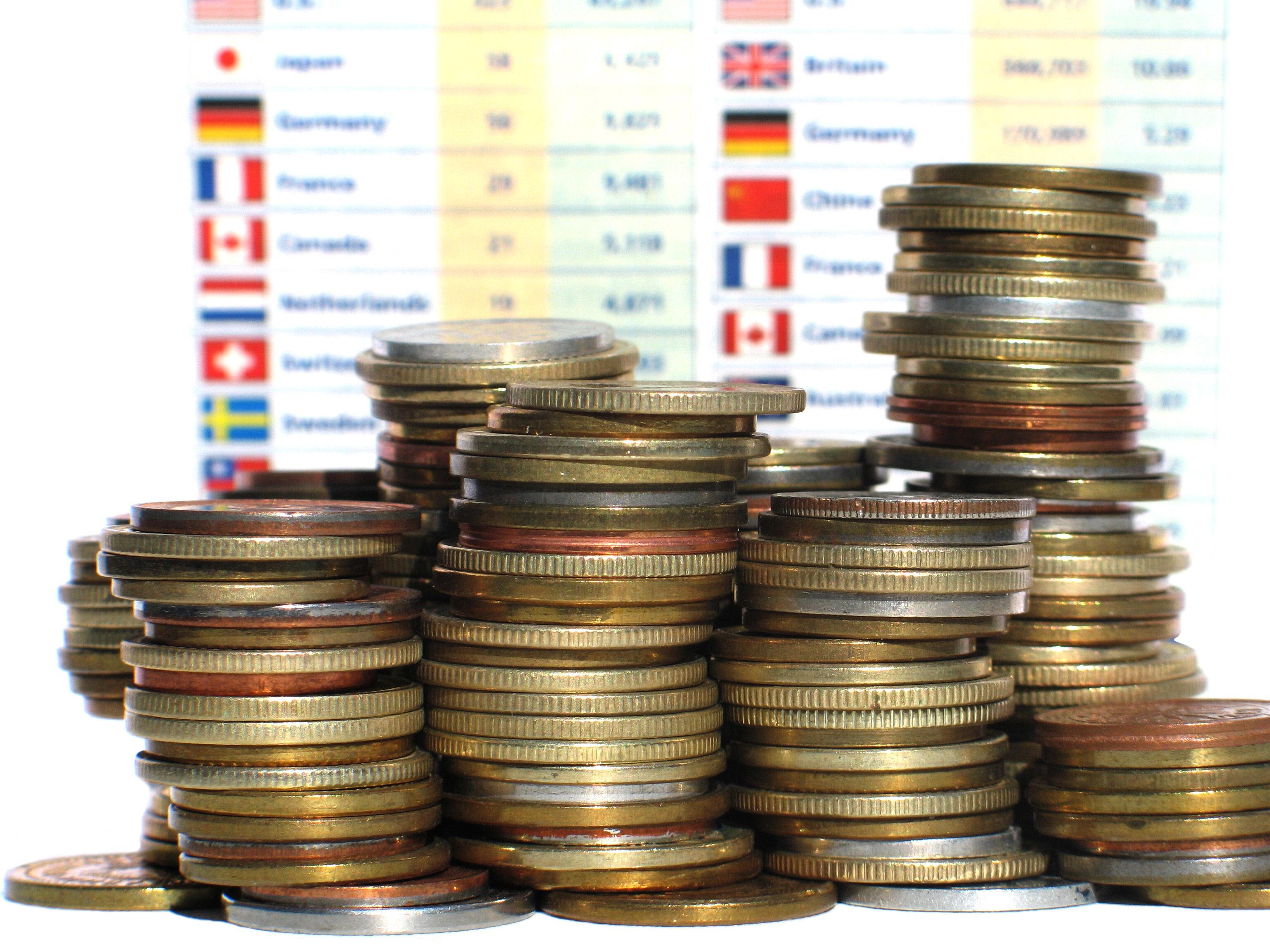 39% dintre români se declară satisfăcuți de nivelul propriei averi