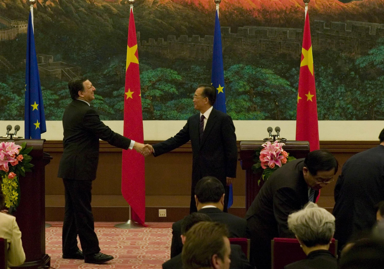 Află de ce l-a sunat premierul chinez pe Barroso