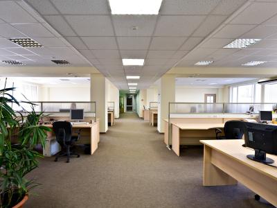 STUDIU: IMM-urile vor spaţii de birouri cu chirii de sub 11 euro/mp