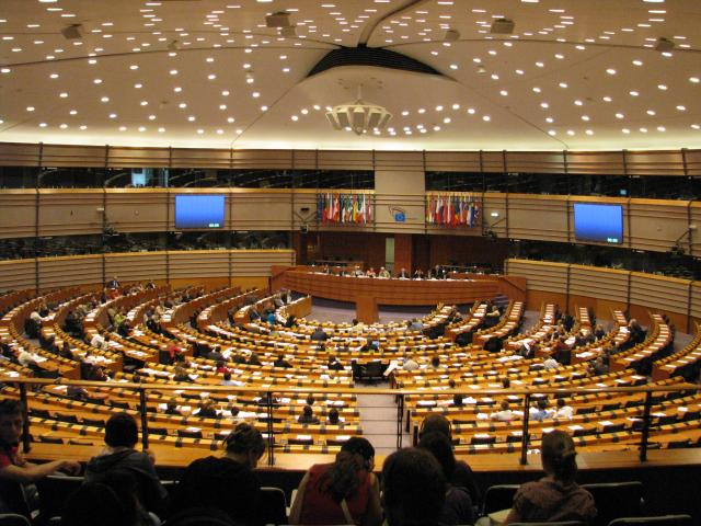 Măsuri aspre la Bruxelles: Sancțiuni pentru statele cu deficite prea mari