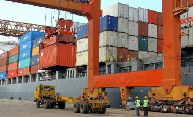 Deficitul balanţei comerciale a crescut cu 28%