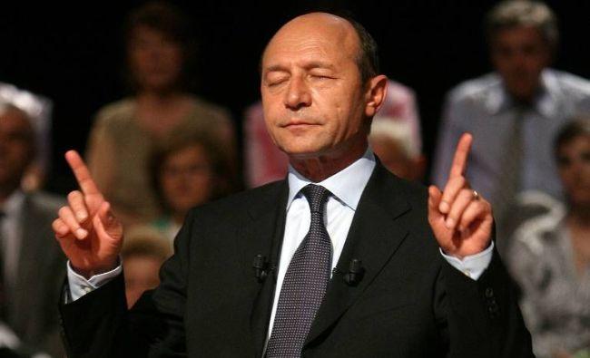 Surpriză în Vinerea Mare. Băsescu îl susține pe Iohannis: Există momente, ce-i drept foarte rare