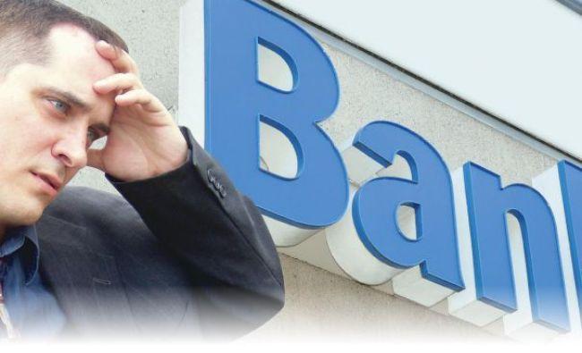 Dezastru la o bancă mare din România. Angajații au luat cu asalt sediul central
