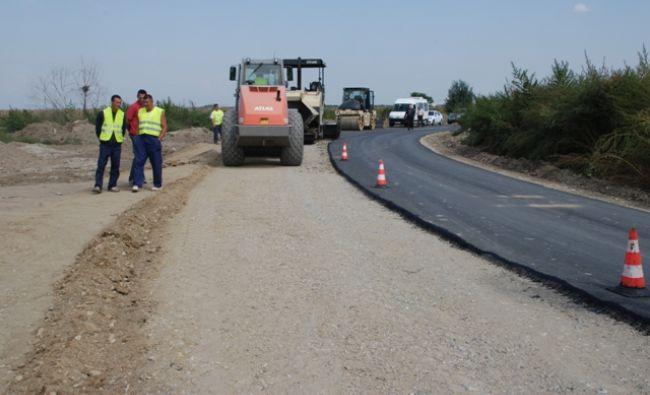 Cum vrea Ministerul Transporturilor să urgenteze lucrările de infrastructură. Suma colosală pe care Compania de Drumuri a virat-o la stat