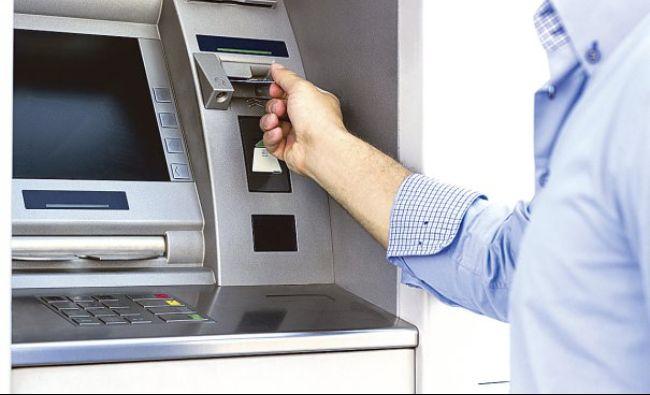 """Veste bombă pentru cei care au card bancar: """"Atunci nu va putea scoate bani din bancomat"""""""