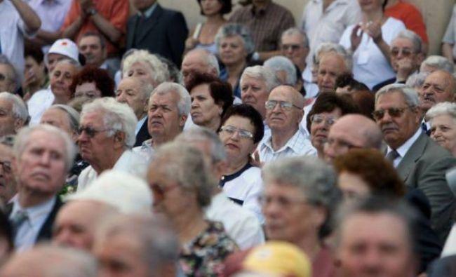 Veşti bune pentru pensionari! Se dau pachete cu ajutoare pe timp de criză! Cine beneficiază de sprijin