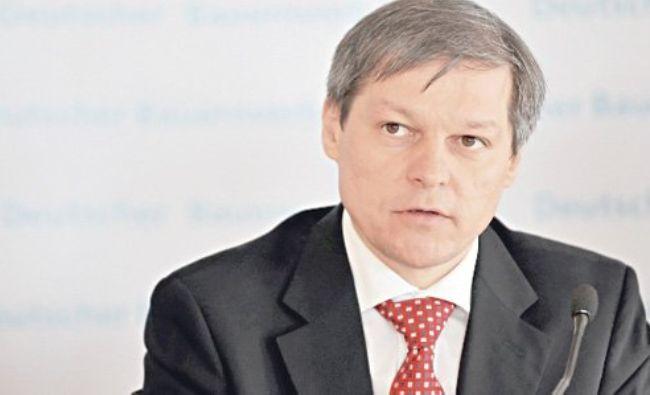 Încă un atac al lui Dacian Cioloș: PNL a intrat în vizor