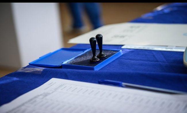 Nebunie totală la vot! Românii au luat cu asalt secțiile din Diaspora: Se repetă modelul 2014