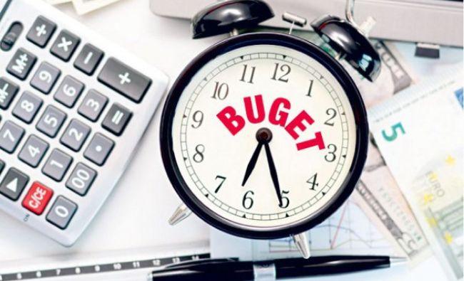 Va păstra Guvernul ținta de deficit? Scenarii simple pentru o economie complicată