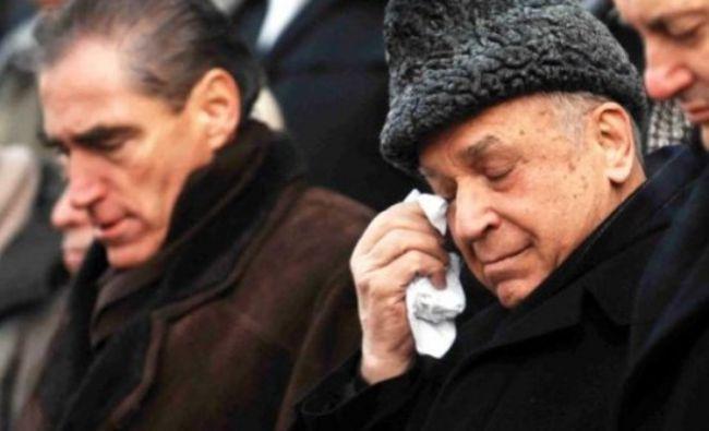 Este ziua de naștere a lui Ion Iliescu. Omagiu adus pe Facebook pentru fostul președinte al țării. Câți ani împlinește