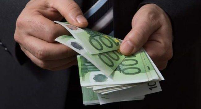 Pensie de 7.000 de euro pe lună în România! Cine încasează această sumă uriașă
